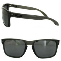 New Oakley Sports Holbrook Grey Smoke w/ Black Iridium OO9102-24 - $174.22