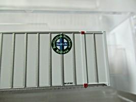 Micro-Trains # 46800172 Burlington Northern Santa Fe 48' Rib Side Container (N) image 2