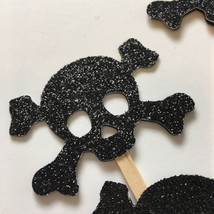 Skull and Crossbones Halloween Cupcake Toppers / Glitter Cupcake Toppers... - £7.19 GBP