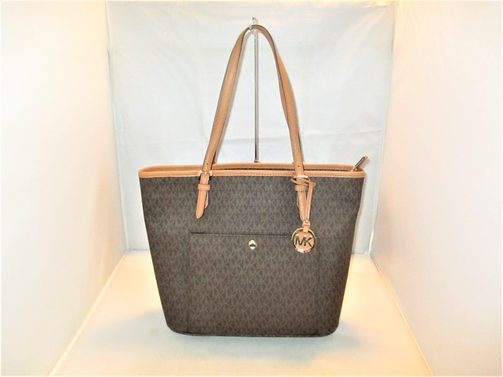 ced08271c015 Michael Kors Jet Set Large MK Signature Logo and 50 similar items. Img 8617