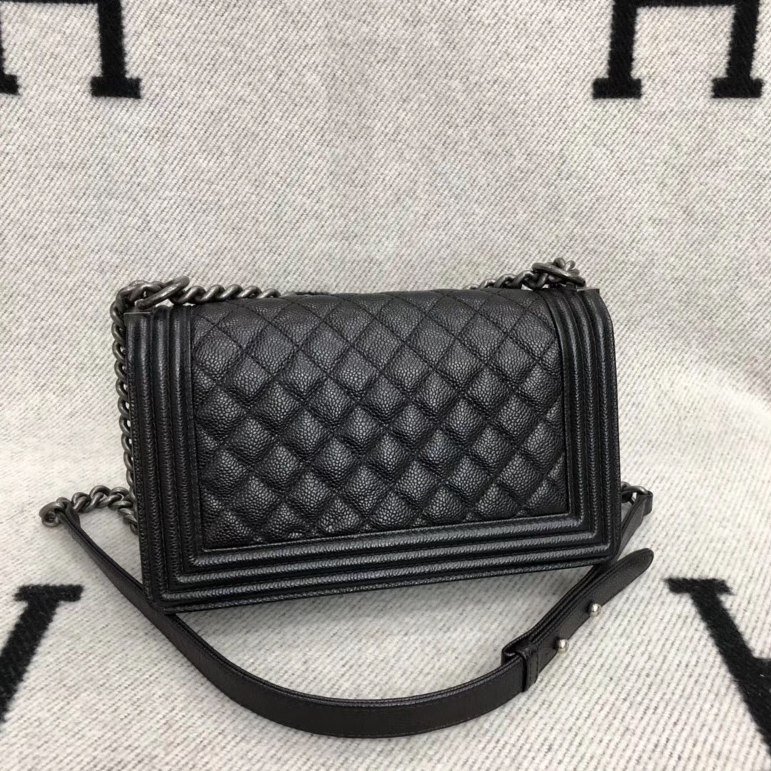 AUTHENTIC CHANEL LE BOY BLACK QUILTED CAVIAR LEATHER MEDIUM FLAP BAG RHW image 2