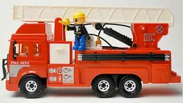 Daesung Toys Melody King Super Fire Engine Truck Car Vehicle Figure Toy image 3