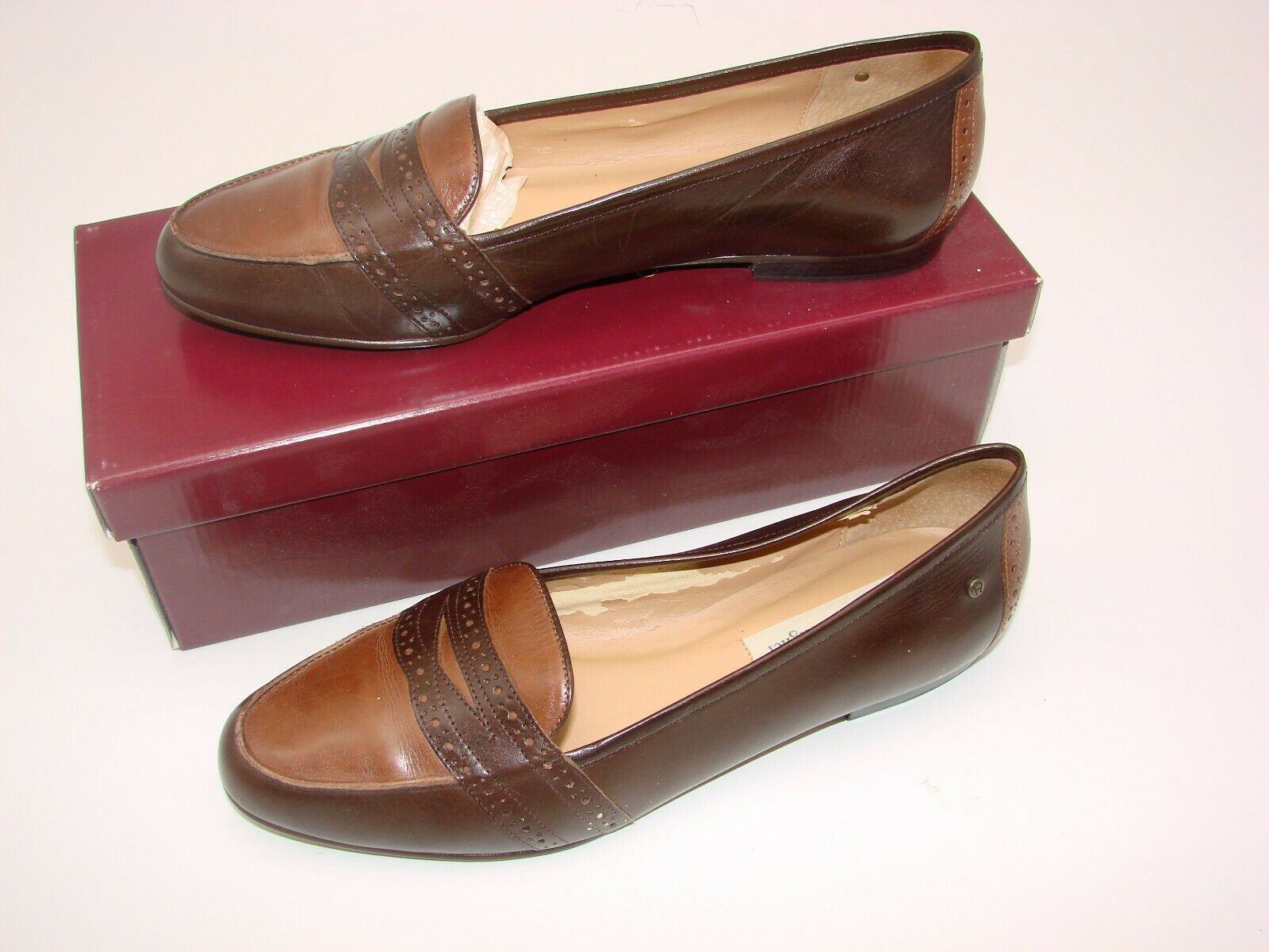 EUC Etienne Aigner Women's Two Tone  Slip on Loafer Casual, Career Size 81/2M