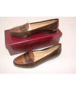 EUC Etienne Aigner Women's Two Tone  Slip on Loafer Casual, Career Size ... - $17.47