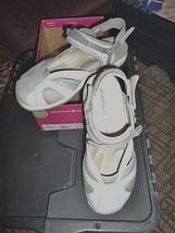 Naturalizer Alcia Lt Grey Nubuck Sport Sandals New In Box Size 8.5M - $24.18