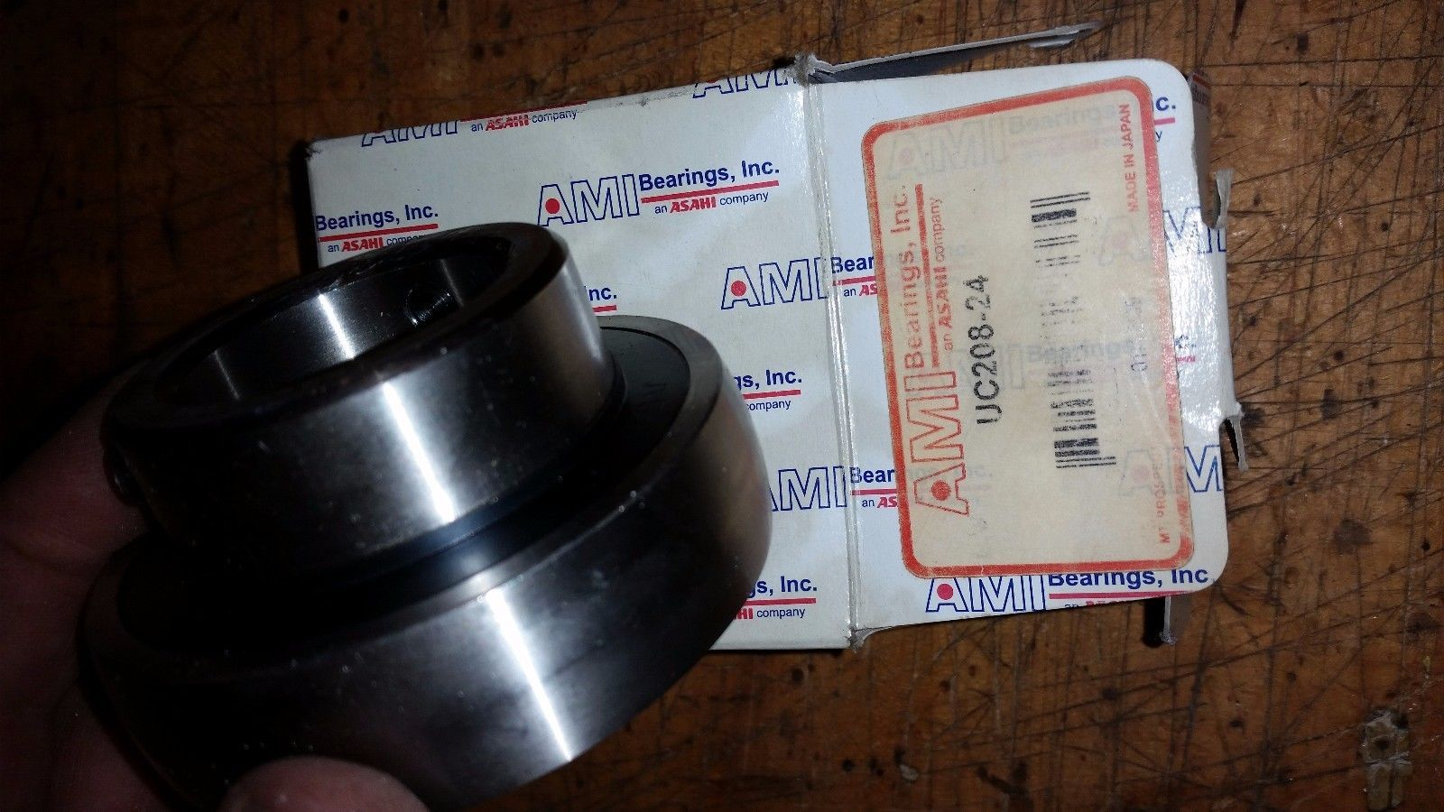 "1 pc AMI brand UC208-24 1.5"" 1-1/2"" flange bearing replacement bearing"