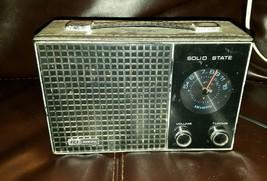 ID IDEAL Solid State 6 Transistor Superheterodyne Radio - $17.00