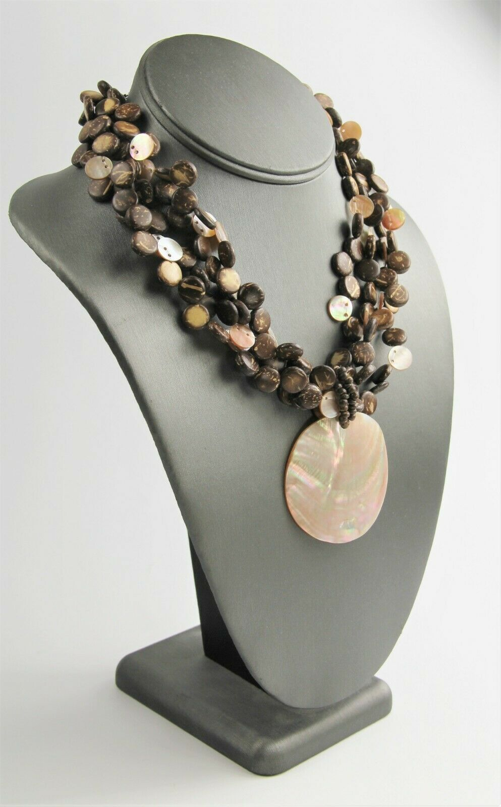"18"" ESTATE VINTAGE Jewelry BOHO RESORT WEAR MOP & COCONUT SHELL BEAD NECKLACE"