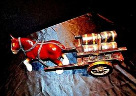 Ceramic Clydesdale Horse with Cart of six Barrels AA18-1318 Vintage image 3