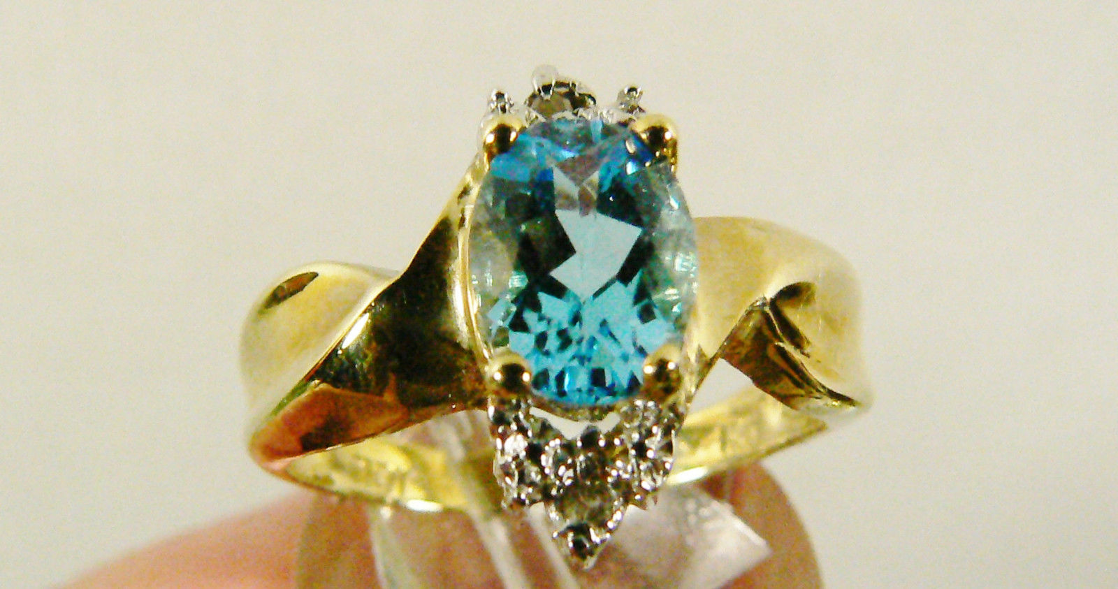 Primary image for 10k yellow gold 1.56 CTW Oval Blue Topaz & Diamond Fantastic Ring Sz 7 NWT