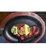 Lodge Cast Iron Fajita Set Red Stained Wooden Underliner & Handle Mitt 3 Piece - $48.61