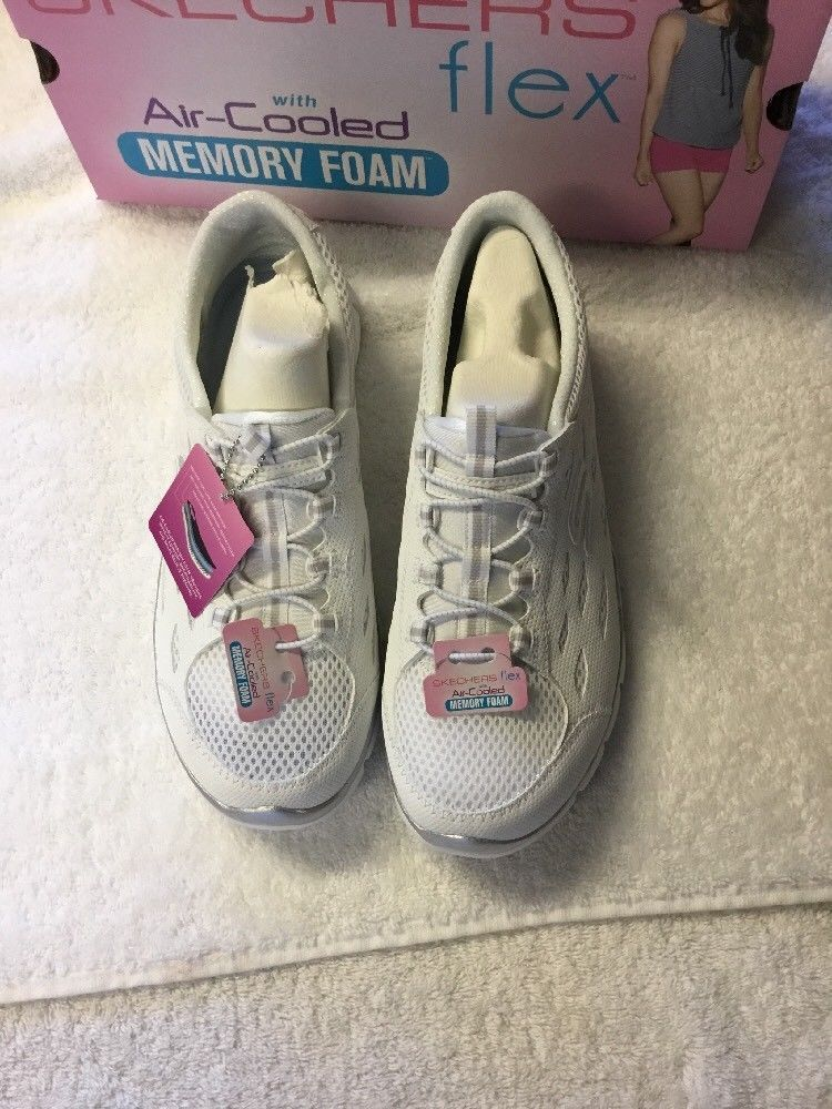 Skechers Gratis Mesh Bungee Women's Slip On Athletic Shoes NWB