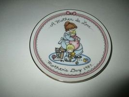 """Vintage Avon Mother's Day 1987 Collector's Plate 5"""" - $9.99"""