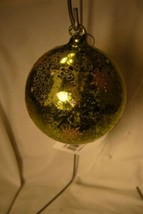 Bethany Lowe Santa's Visit Glass Indent Ornament  green and Gold image 2