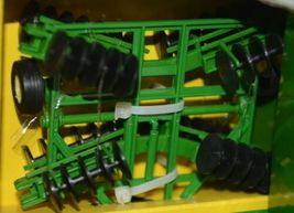 John Deere TBE15489 Die Cast Metal Replica 1999 6410 Tractor Wagon Disk image 4