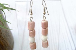 Cute Pastel Pink Dangle Earrings for Woman, Pink Vintage Ceramic Earrings - €7,50 EUR