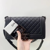 AUTH RARE CHANEL 2018 SO BLACK QUILTED CALFSKIN MEDIUM BOY FLAP BAG RECE... - $5,999.99