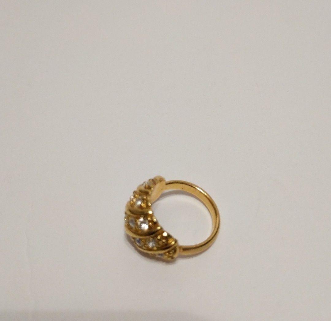 Avon Gold Tone Ring with Rhinestones image 3
