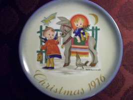 """""""SACRED JOURNEY"""" By Sister Berta Hummel Christmas Plate 1976 Made in West German - $4.99"""