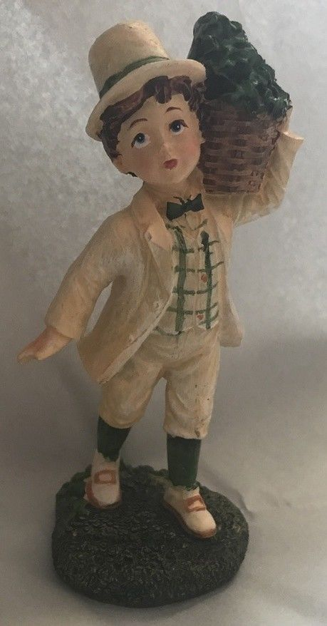St Patrick's Day Irish Boy Statue Figurine Green Luck Clover shamrock