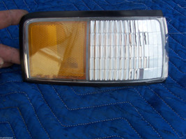 CUTLASS SUPREME 2 DR &  CONVERTIBLE RIGHT CORNER USED TURN  SIGNAL MARKE... - $127.71