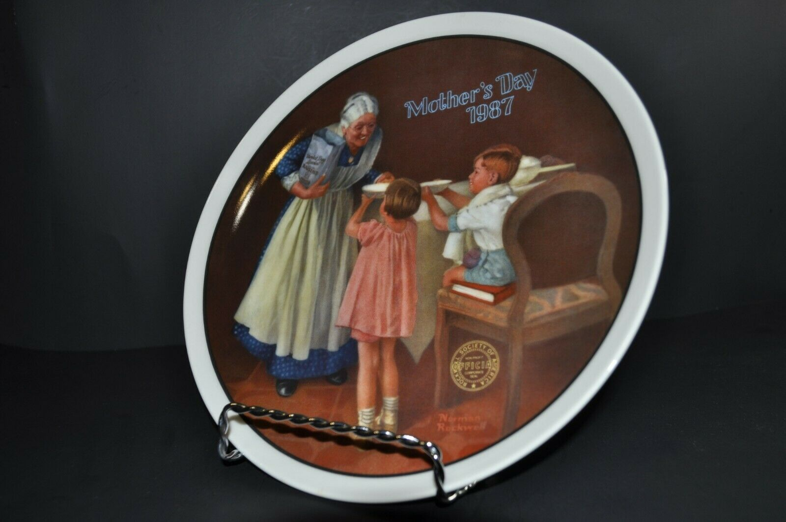 """Edwin M. Knowles - Norman Rockwell """"Mothers Day 1987"""" Decorative Collector Plate"""