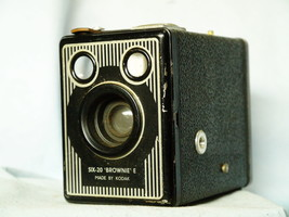 Kodak Brownie Six 20 Model E Art Deco - Vintage Box Camera - Nice - - $20.00