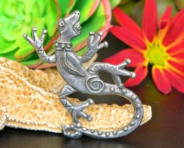 Lizard Gecko Tie Tack Lapel Pin Southwest Signed HF Pewter Figural - $18.95