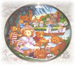 Carol Lawson A Teddy Bear Picnic Porcelain Franklin Mint Heirloom Plate 1991 - $14.00
