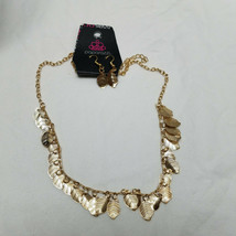 "Paparazzi Necklace And Earring Set Gold Tone Feather Design 16"" - $15.83"