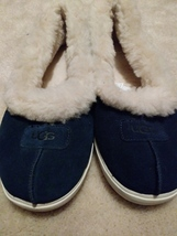 UGG Pure blue/white fashion low top sneaker/shoe  size US 9 - $43.93