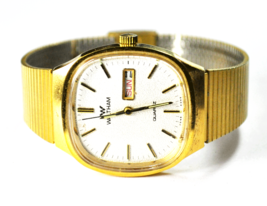 "Vintage Waltham Y838-855 Gold Tone Day Date Quart Watch 33mm Not Running 8-1/2"" - $19.79"