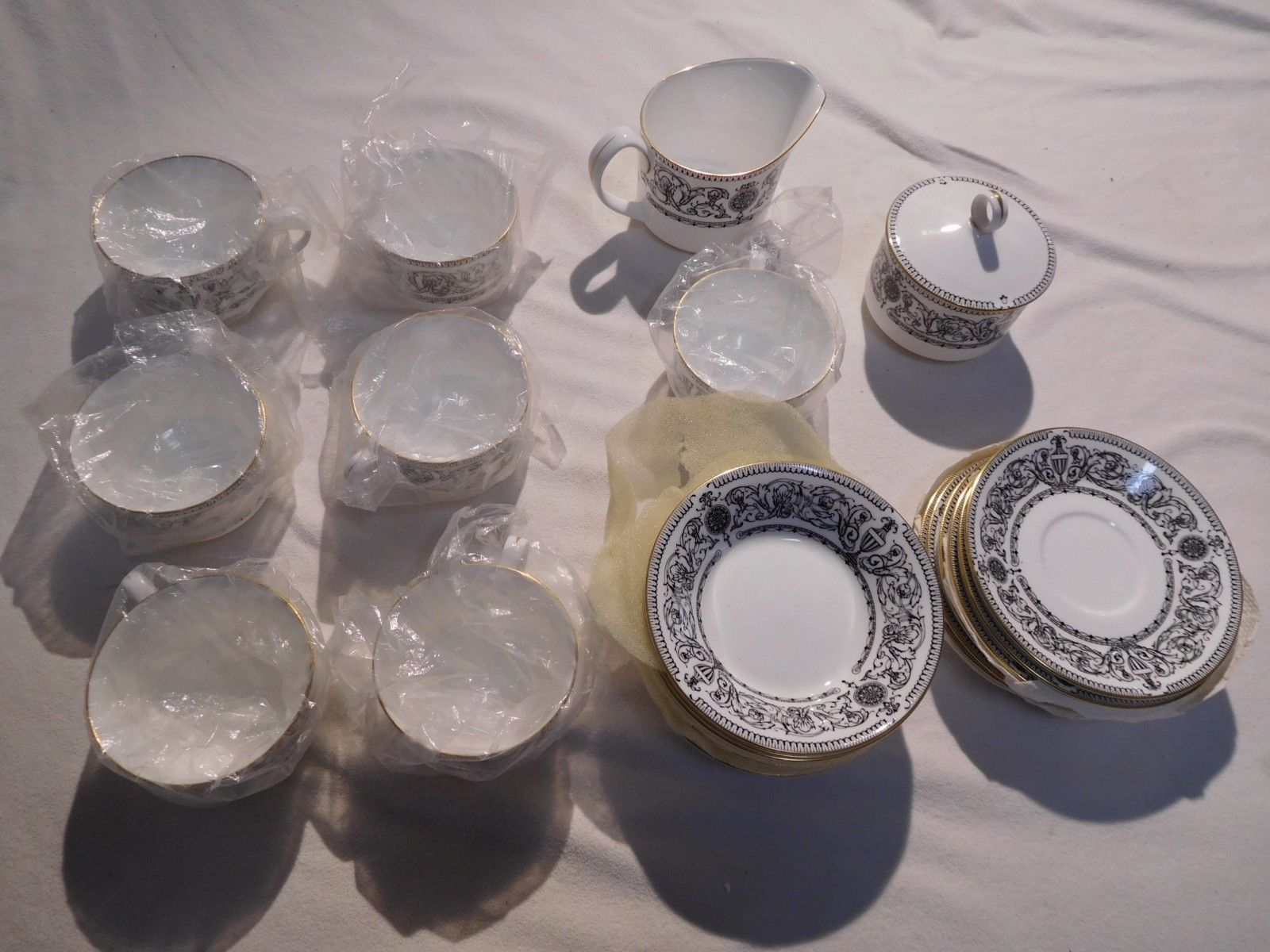 1966 ROYAL WORCESTER PADUA incomplete set in mint condition