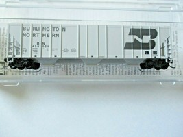 Micro-Trains # 09900311 Burlington Northern 3-Bay Covered Hopper N-Scale image 1