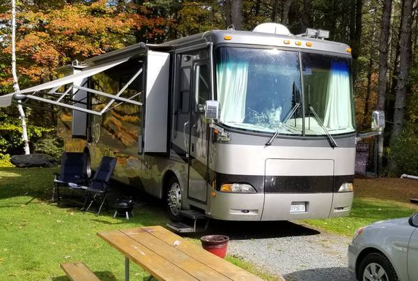 04 Holiday Rambler endeavor 40ft FOR SALE IN Crossville, TN 38571