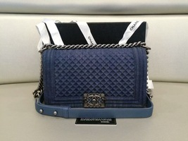 AUTH CHANEL LIMITED EDITION 2017 DENIM DIAMOND QUILTED MEDIUM BOY FLAP BAG NEW