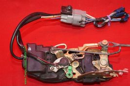 96-03 Toyota Tacoma Ext & 4dr Crew Cab Power Door Lock Latch Actuator FRNT RIGHT image 3