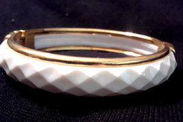 Vintage White Molded Plastic Gold Tone Hinged Bangle Bracelet - $10.00