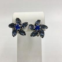 Vintage Weiss Flower Rhinestone Rhodium Plated Clip On Earrings - $48.51