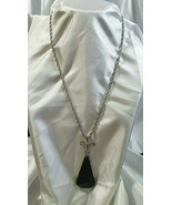 "Avon Ebony Tear Drop Silver Tone 24"" Length Chain With Pendant Vintage - $24.74"