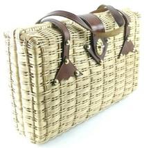 Vintage 2 Person Wicker Picnic Basket Bag Vinyl Liner Leather Straps Fla... - $738,79 MXN