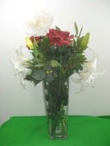 Huge Clear Glass Vase Square Shaped Vase with Bouquet of Flowers - $46.71