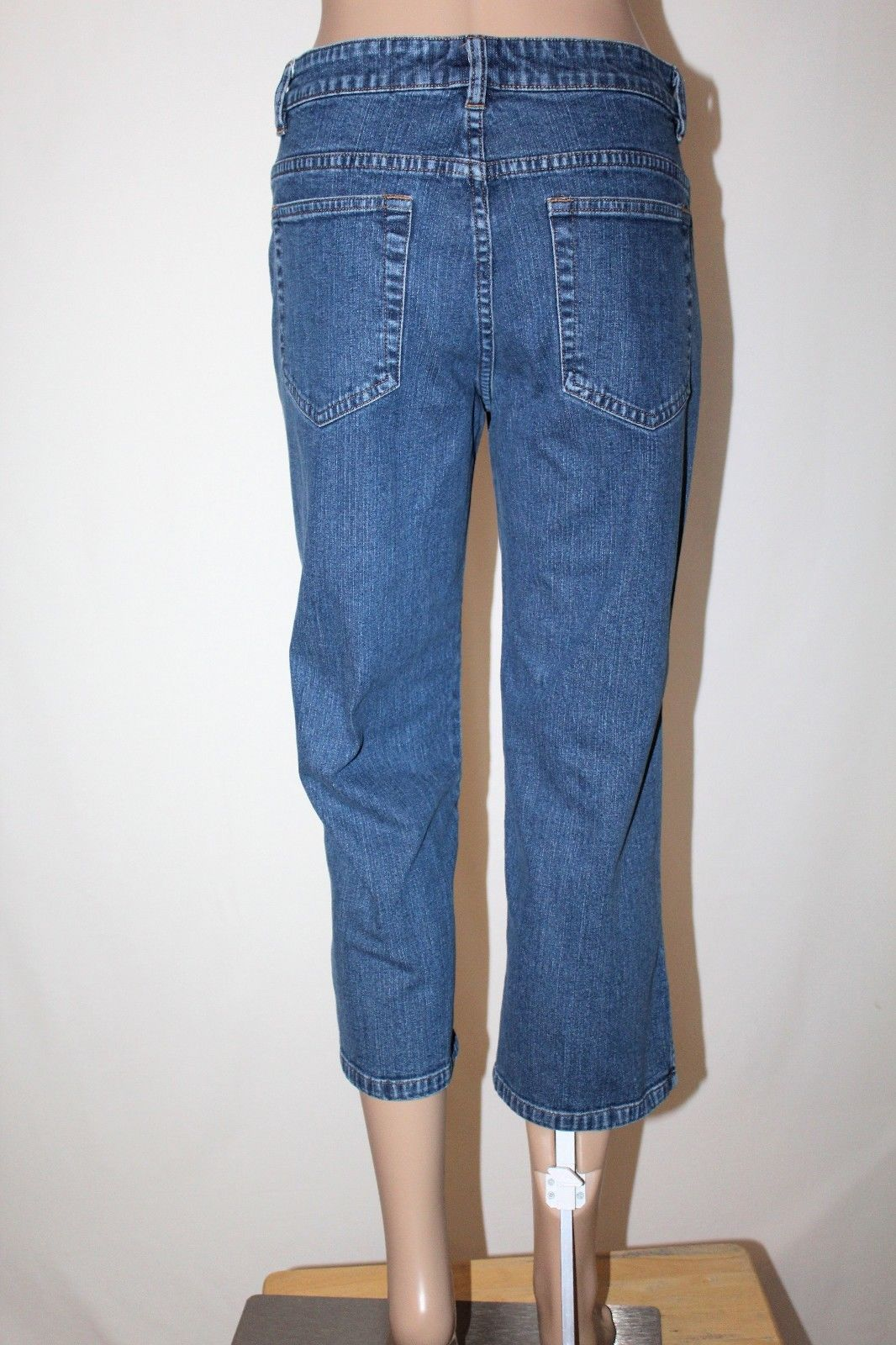 2bffbb91fed S l1600. S l1600. Previous. LEE RIVETED Ultimate 5 Women s Size 8 M Capri  Cropped Stretch Jeans 22