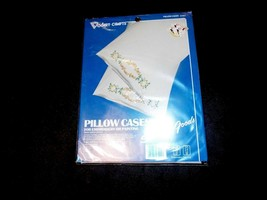 1 Vintage Vogart Crafts Pillow Cases Kit Daisy Loop Stitch Stamped Goods - $10.39