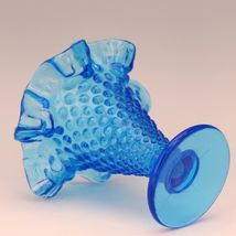 Vintage Fenton Art Glass Colonial Blue Hobnail Small Cone Shape Vase image 3