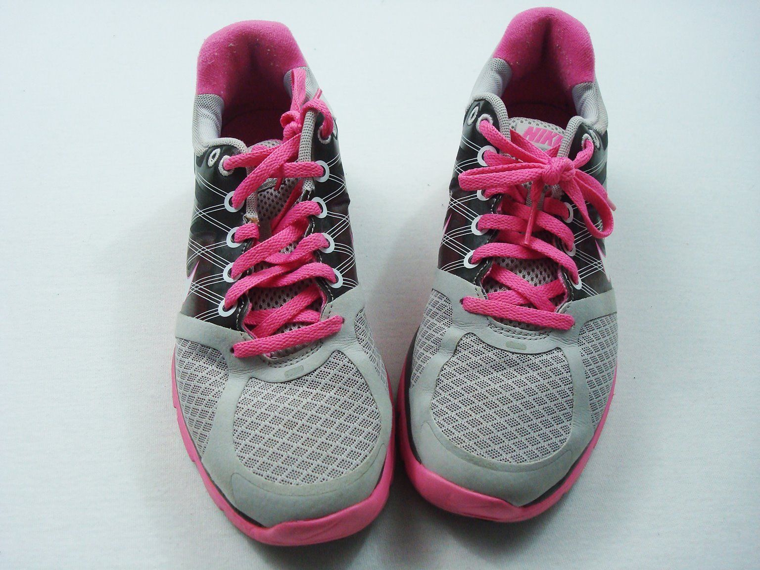 huge discount 1f053 58ae1 Nike Running Shoes Womens 8 OR 6.5 Youth Lunarglide Gray Pink Trim Trainers