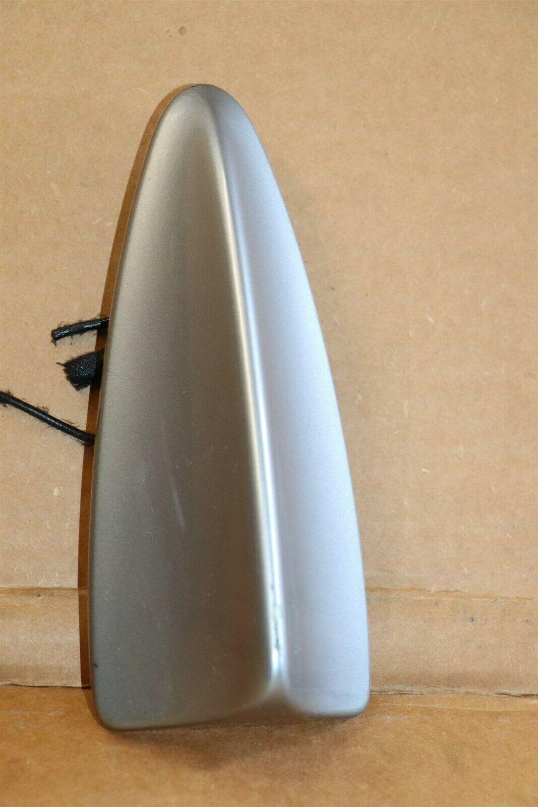 04-06 BMW X3 Roof Mounted Shark Fin Antenna GPS
