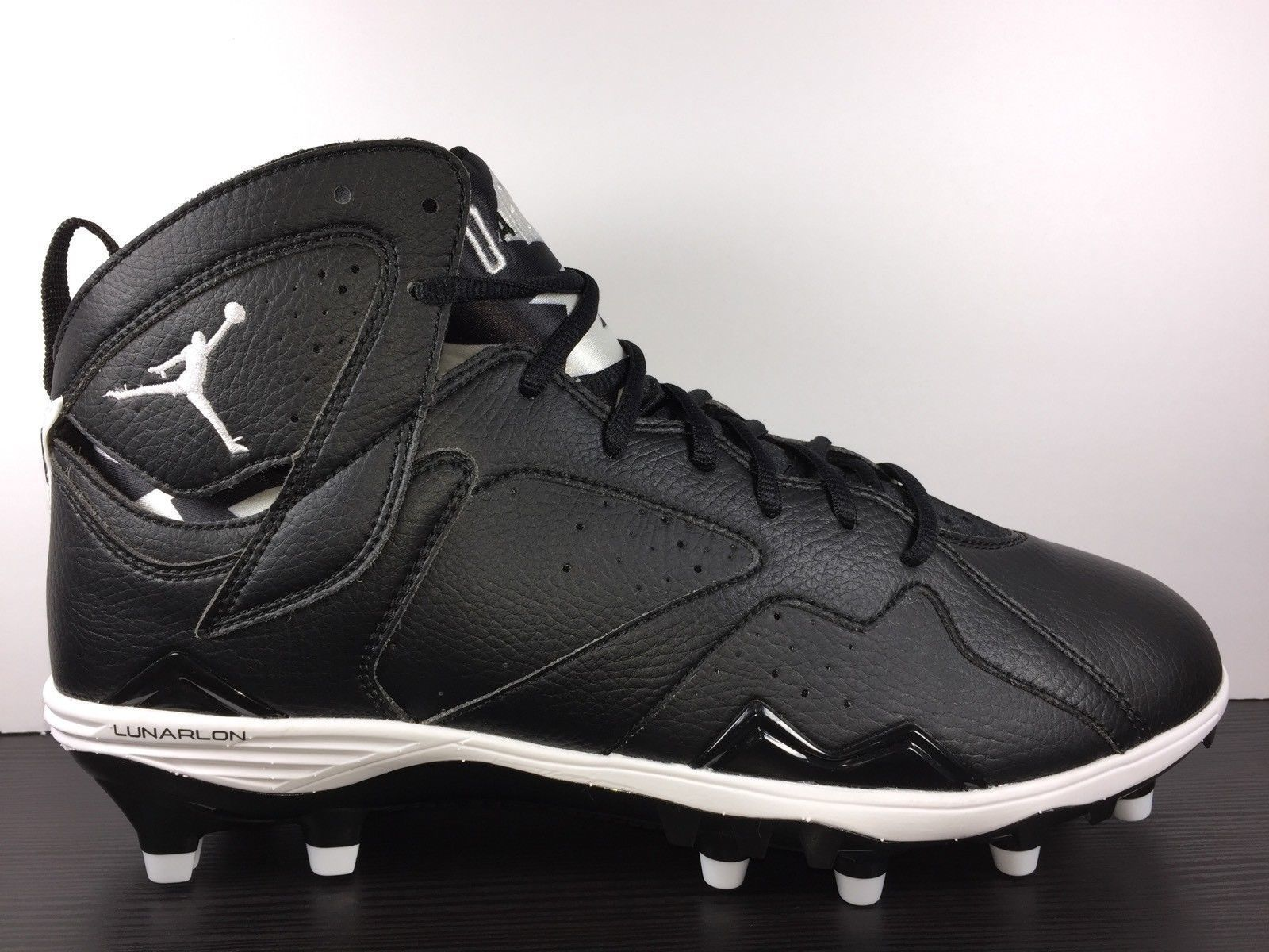 f81f5ffbbc76 ... NIKE AIR JORDAN 7 VII RETRO QB TD FOOTBALL CLEATS FAST OREO NFL 719543- 010 ...