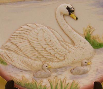 HOMCO PORCELAIN COLLECTORS PLATE MOTHER SWAN BABIES