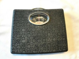 MCM Borg Pebble Cobble Pattern Bathroom Weight Scale - $50.00